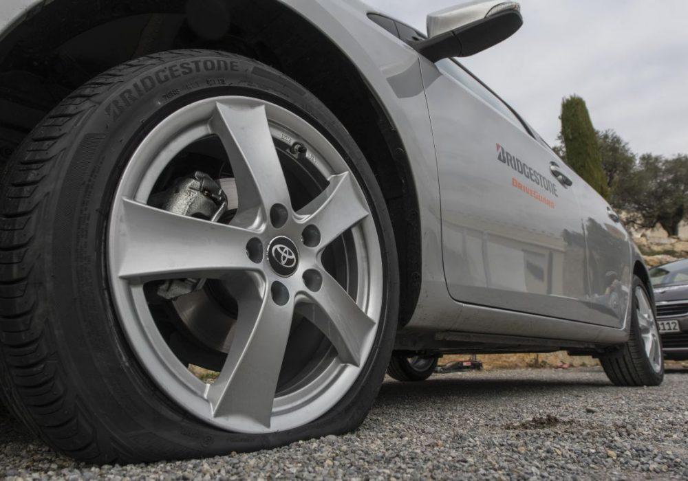Comment changer une roue lors d'une crevaison ?